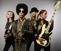 Prince plays 8 minute set on Saturday Night Live
