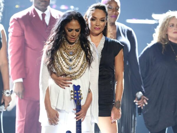 Sheila E leads emotional Prince tribute at BET Awards
